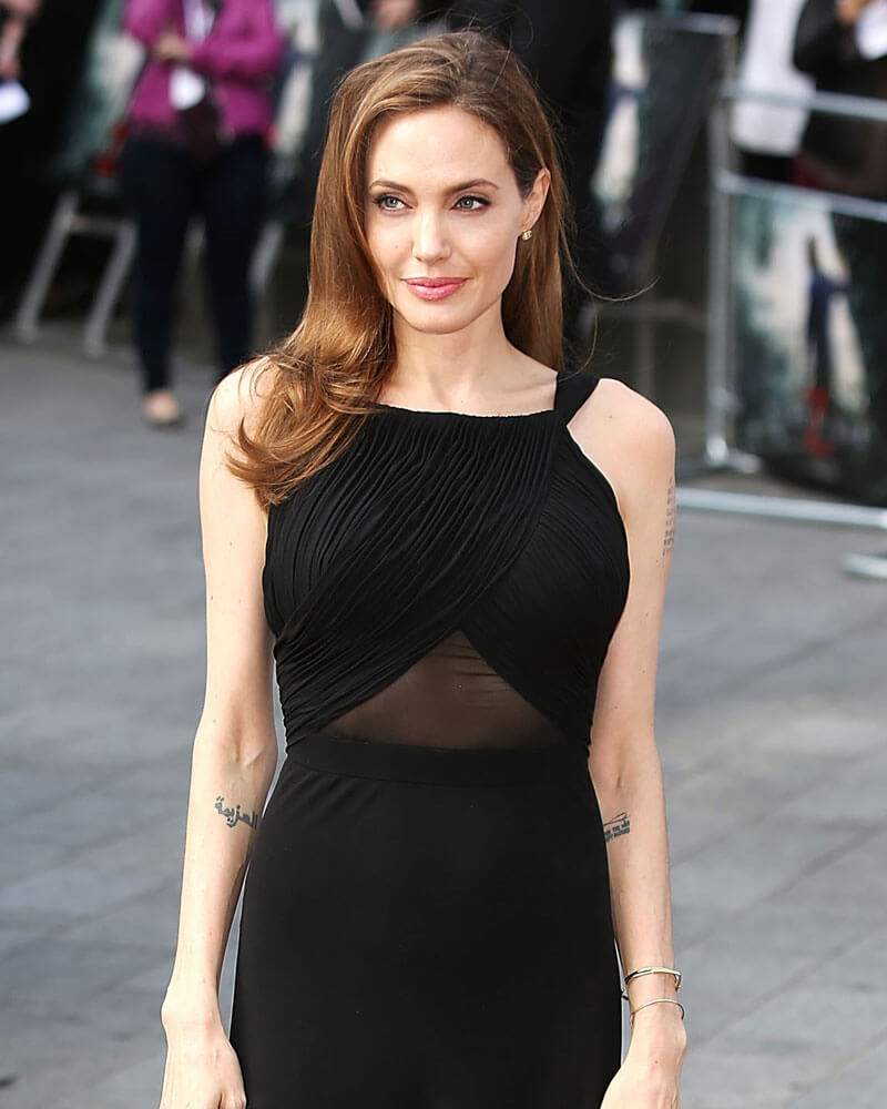 Does angelina jolie have breast implants